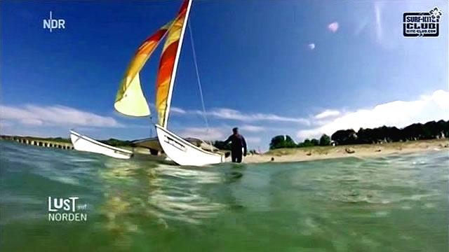 Katamaran segeln auf der Ostsee in Zingst